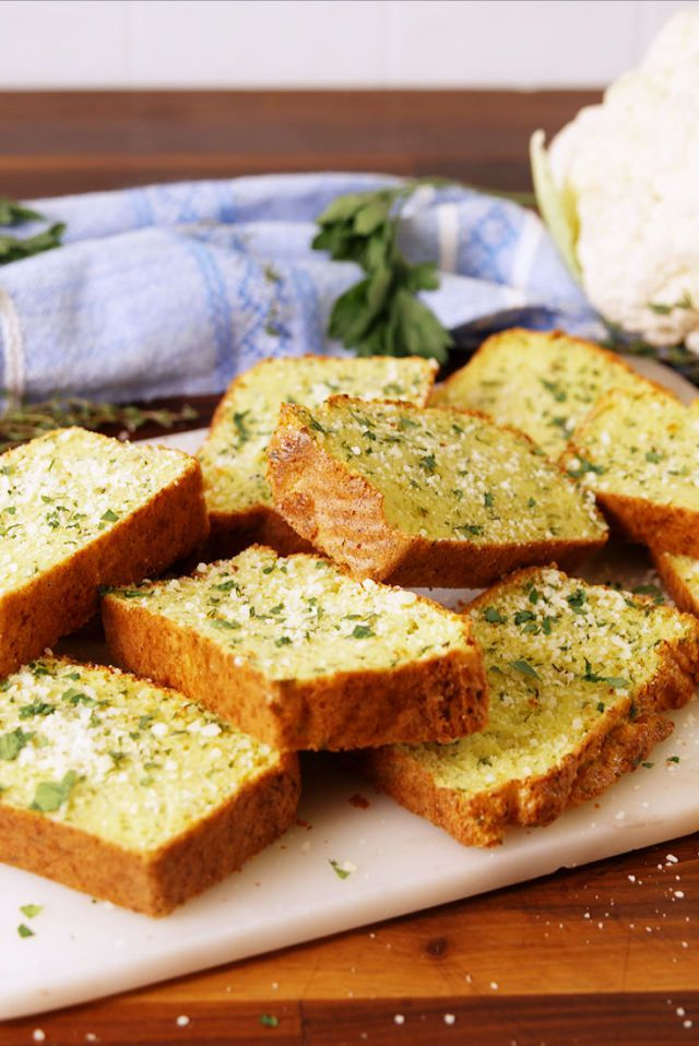 gallery-1509139989-delish-cauliflower-garlic-bread-pinterest-still003